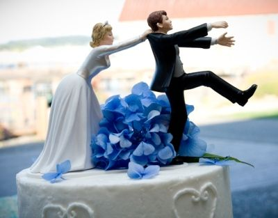 Best Funny Wedding Cakes Ideas On Pinterest Wedding Toppers - 16 hilariously creative wedding cake toppers