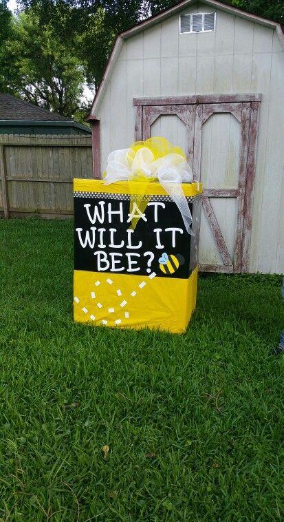Gender reveal bumble bee. Gender reveal box.