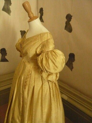 A snap from the SCCS visit to 'Profiles of the Past: Silhouettes' held at - Regency Town House, the exhibition opens Friday 1st August and runs until 14 September 2014. Open Friday, Saturday & Sundays only. See their Website for more info