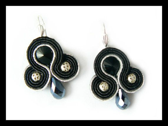 Soutache earrings Swarovski crystals silver black by Mayasbijou €12.15 EUR on Etsy.com