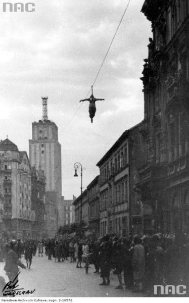 Okupacja niemiecka: 10 przypadków z życia codziennego