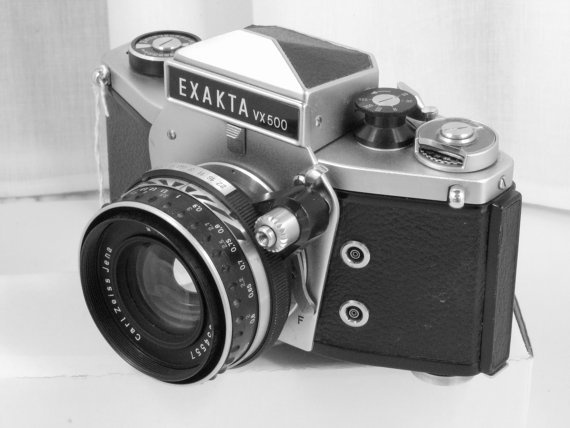 Vintage camera EXAKTA VX 500 from Germany (East) in 1969