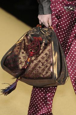Louis Vuitton Spring 2009 Details♥✤ | Keep the Glamour | BeStayBeautiful