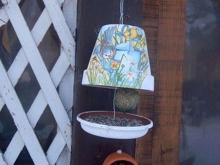 super idée de mangeoire pour oiseaux du jardin !