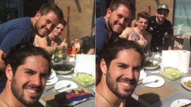 REAL MADRID GIRLS™: Alert: Isco  Instagram photo with Barcelona chips!...