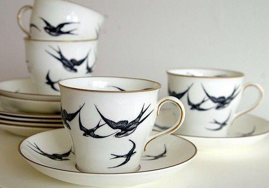swallows. perfect.: Birds Prints, Swallows, China Patterns, Teas Time, Teas Cups, Vintage Teas, Vintage China, Teas Party, Teas Sets