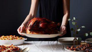3554c644-2713-4168-9d93-00f118c160a3-2016-1025_thanksgiving-gin-brined-turkey_banner_mark-weinberg_388.jpg