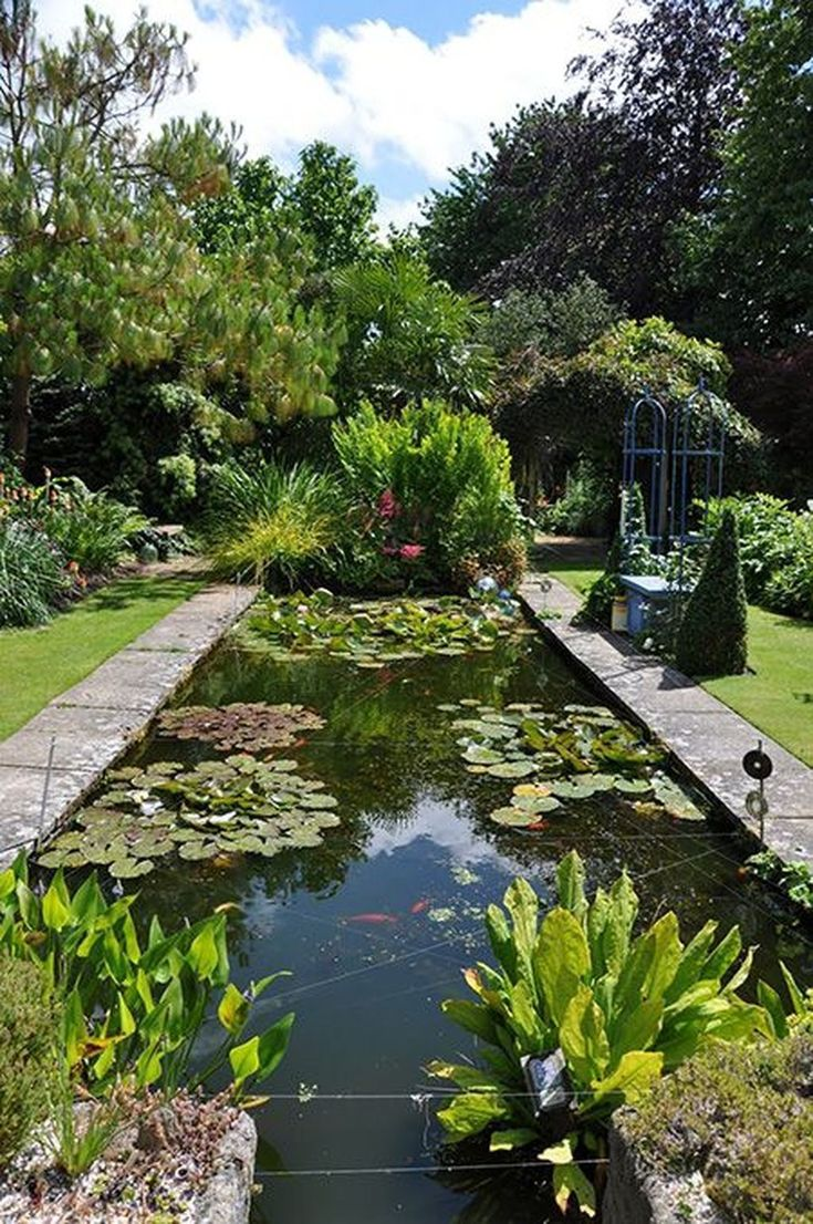Awesome 48 Gorgeous Backyard Ponds Water Garden Landscaping Ideas. More at https://trendhomy.com/2018/02/28/48-gorgeous-backyard-ponds-water-garden-landscaping-ideas/ #watergardens #gardenponds