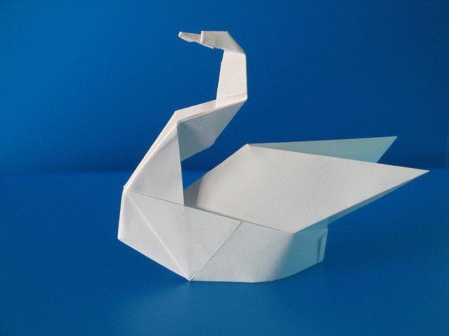 "Origami ""Cigno Esse - Swan Esse"", designed and folded by Francesco Guarnieri, December 2007."