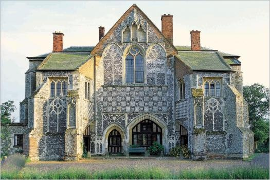 14th century gothic-style abode: Amazing Venue, Places Wedding, Wedding Ideas, Dream House, Butley Priory, Reception Ideas, Abandoned Places, Wedding Venues, Aging Dreams