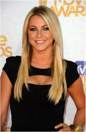 strait long blonde hair