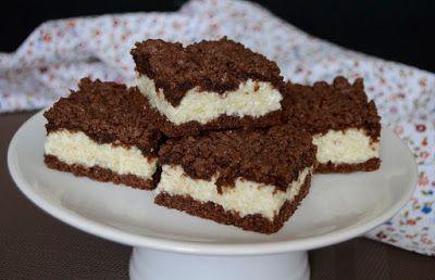 Citromhab: Reszelt túrós sütemény - Borzas Kata. 25 x 35 cm-es tepsihez TÉSZTA: 40 dkg liszt, 20 dkg cukor, 25 dkg vaj, 1 tojás, 1 cs 12 g sütőpor, 1-2 tK tejföl, ha szükséges. TÖLTELÉK: 75 dkg túró, 5 ek cukor, 2 ek búzadara, 2 ek tejföl, 1 cs vaníliás cukor, fél citrom reszelt héja.