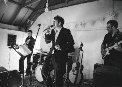 Wedding Bands Edinburgh Book your wedding band at The House Band, the on stop to meet your all requirements in your wedding band. Offering everything you need in your band to make your day unforgettable.
