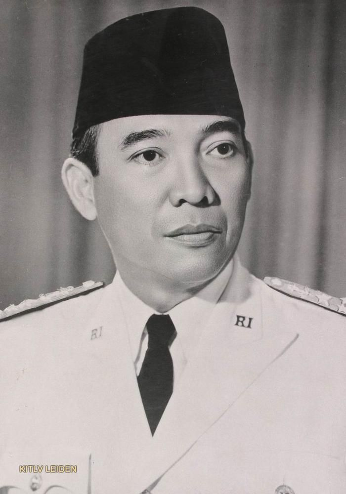 Sukarno was the 1st president of Indonesia. He was leader of the Indonesia during the colonialism. He spend a lot of times in jails try to free his countries from colonialism. Even in Jails, he never gave up. His charisma, spirit, never say die attitude guide Indonesia to become Independence.