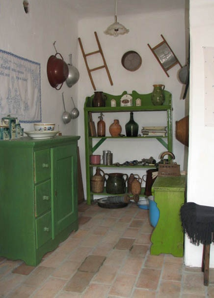 Hungarian farmhouse kitchen in green
