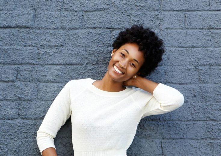 Fighting thin hair does not have to be a daunting task. Learn how to fight and win thin hair problems the right way to stronger and healthier tresses. 3c Natural Hair, Texturizer On Natural Hair, Natural Hair Styles, Hair Mask For Damaged Hair, Dull Hair, Hair Masks, Natural Hair Problems, Hair Secrets, Hair Shedding