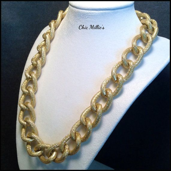 Chunky chain necklace. Extra large Gold chunky chain necklace by ChicMillies on Etsy.