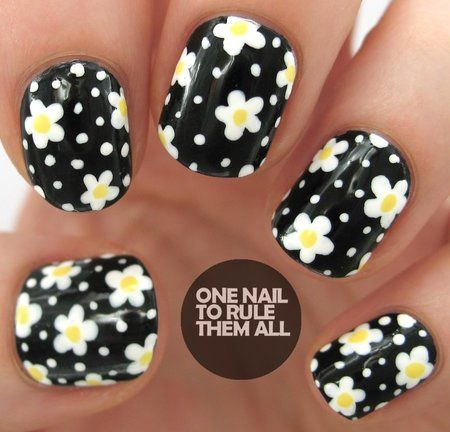 Black & White Daisy Nail Art!! #nails #nailart #blackpolish - bellashoot.com