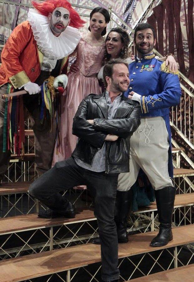 Ópera de Verdi ganhará montagem com beijo gay em Belo Horizonte (Foto: Divulgação) - http://epoca.globo.com/colunas-e-blogs/bruno-astuto/noticia/2014/10/opera-de-verdi-ganhara-montagem-com-bbeijo-gayb-em-belo-horizonte.html