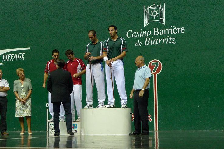 Remise de makhila Ainciart Bergara aux vainqueurs du Master de Biarritz en 2010