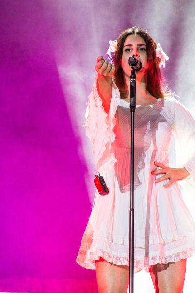 Lana performing at 'Lollapalooza', Chicago, Illinois (July 28, 2016)