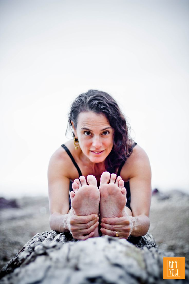 Pascimottanasa portrait with Rachel Zinman.  Yoga photography by Nora Wendel from HEY YOGI.  Plettenberg Bay, South Africa, 2015