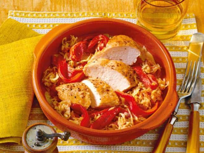 Huhn auf Paprika-Kraut -