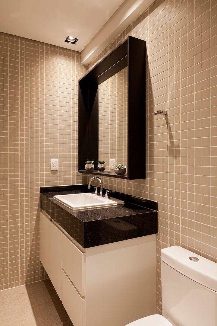 Um décor com ambientes integrados, cheio de cores claras e muita iluminação…