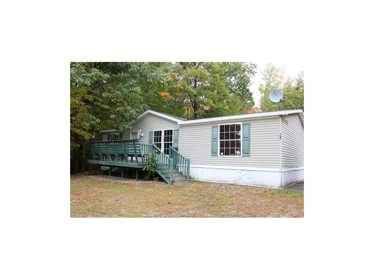 New Listing in Maine 163 Warren Hill Road, Smithfield, Maine 04978 $44,900 Opportunity knocks on the spacious 3 bedroom 2 bath home. Features open kitchen, large living room, new baths, private deck off back and extra large 2.5 acre lot! Quiet rural location. Some repairs required. http://www.propertypanorama.com/instaview/mreis/1285938