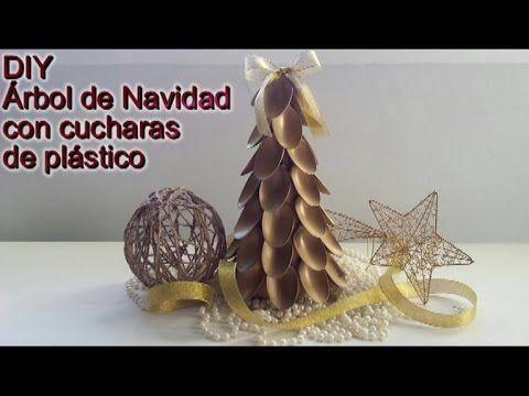 Navidad: Árbol De Navidad Con Cucharas De Plástico