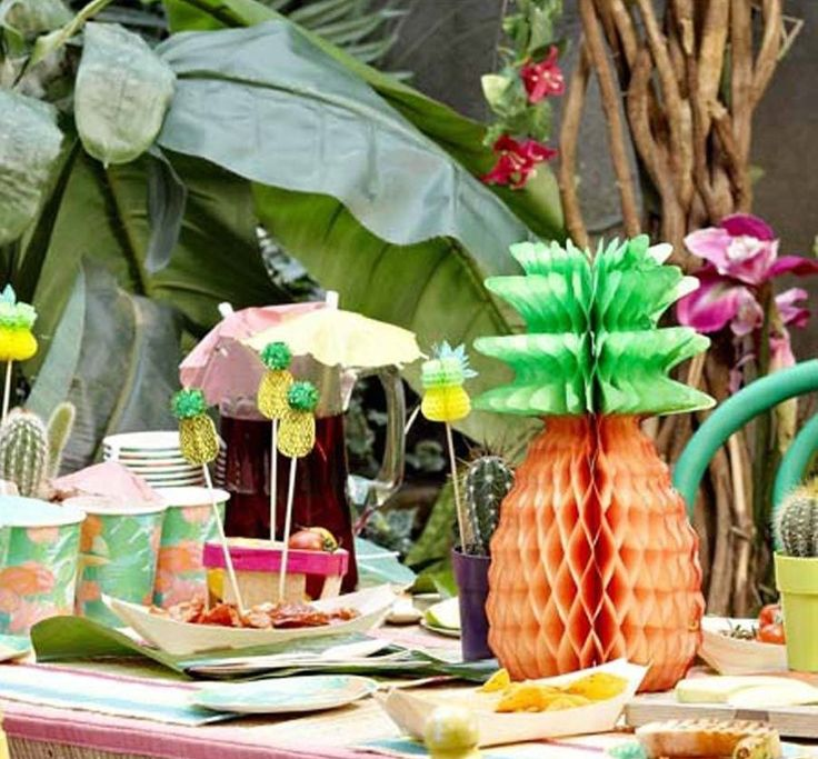 Centre de table Ananas Anniversaire - HOLLY PARTY