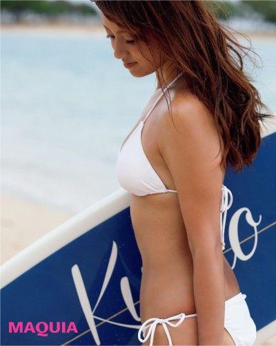深キョンのすっぴんビキニ姿、公開♡ サーフィン中の貴重写真も! | MAQUIA ONLINE(マキアオンライン)