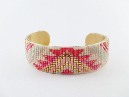 Bracelet manchette perles tissées