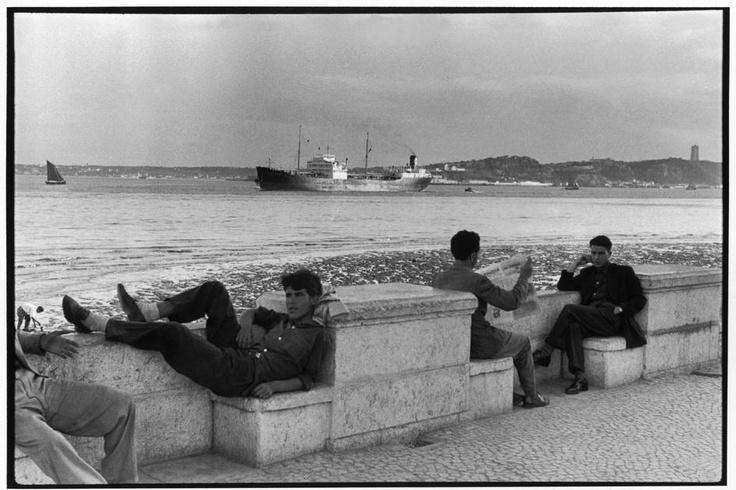 Diário de Lisboa - The Lisbon Diary  Terreiro do Paço em 1955,  por Henri Cartier-Bresson.