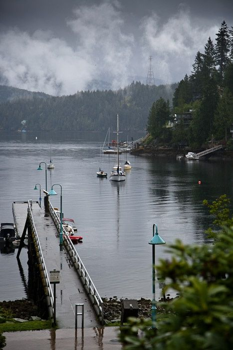 Deep Cove, North Vancouver. A charming town on Vancouver's North Shore, just 13 km from Downtown Vancouver. (Photo: Karin Esau) #exploreBC #explorecanada