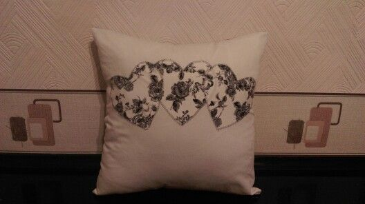 Three heart cushion