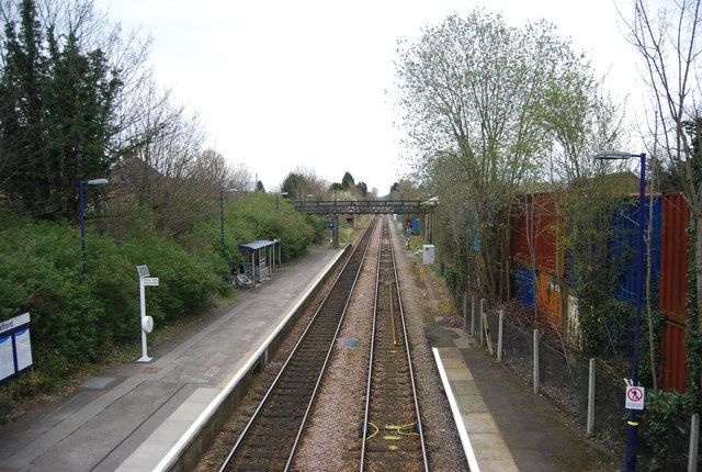 North Downs Line, Shalford Station