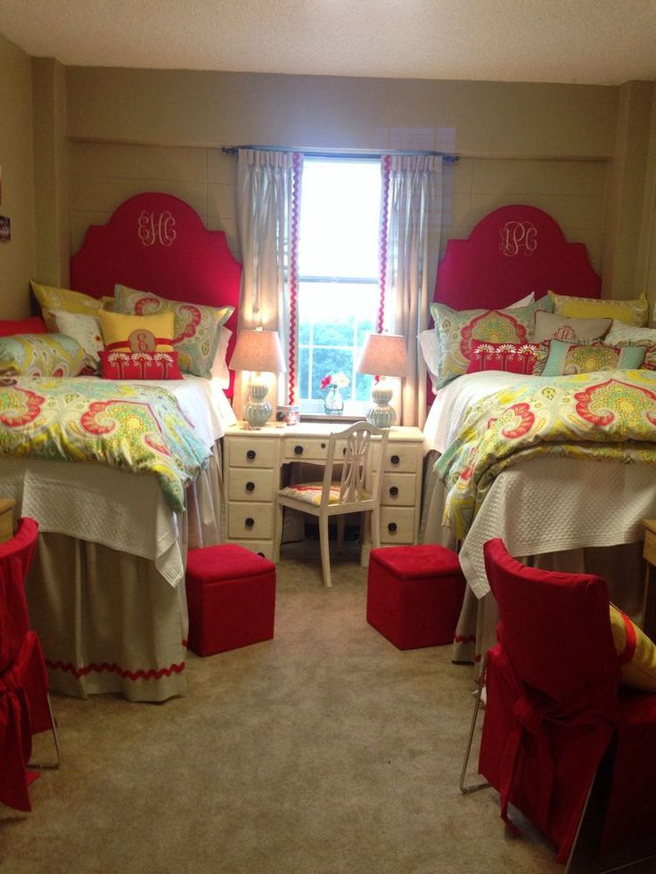 Pink Dorm Room: 17 Best Images About Cozy College Apartment On Pinterest