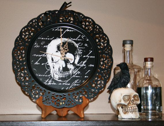 Halloween Skull clock with brushed gold hands