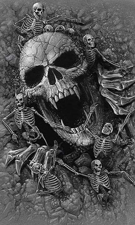 Giant skull little skelletons