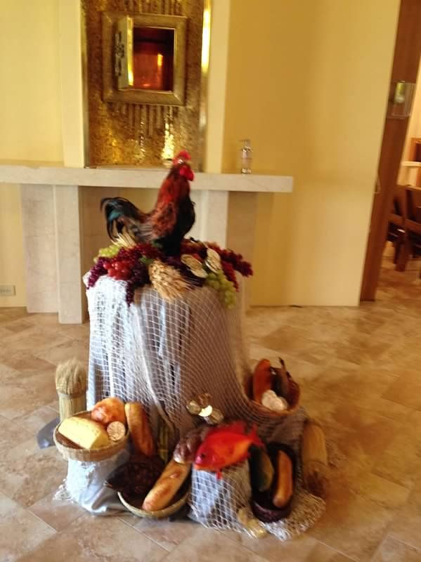 Display for Holy Thursday 2014 - the cock, 30 silver coins, bread, grapes, wheat, fish