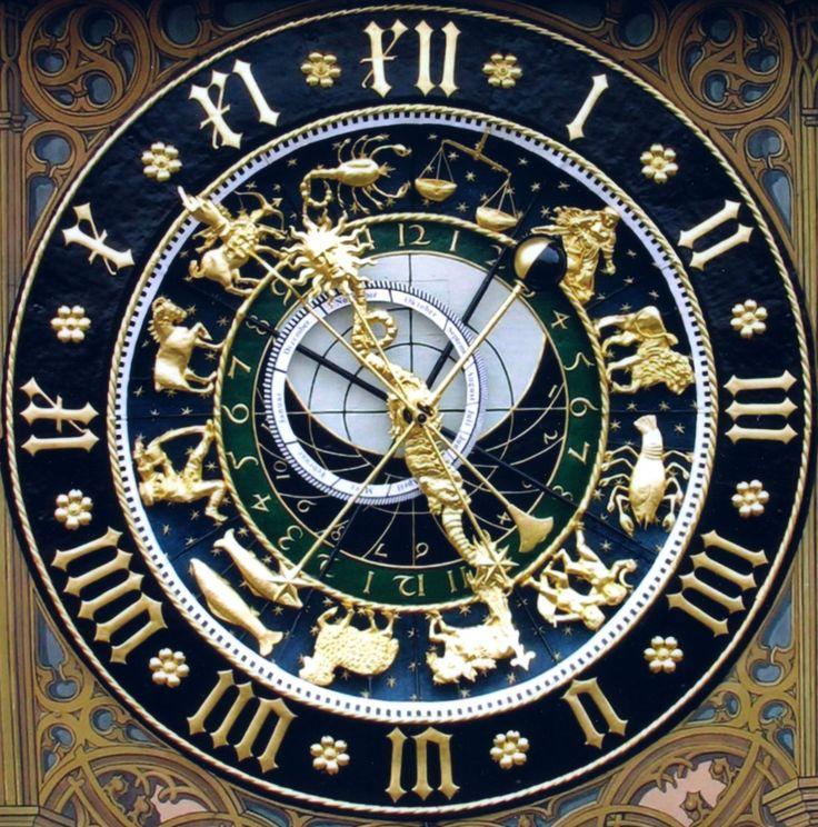 Uhr am Ulmer Rathaus http://www.astrouhr.telebus.de/bilder/AstroUhrQuadrat.jpg