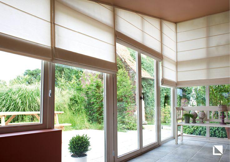 INSIDE Vouwgordijn uit de Nonchalance Collectie Ook voor een raam met een schuin vlak