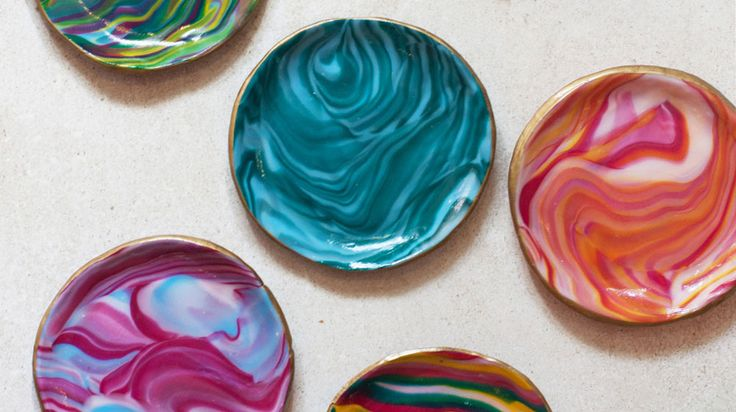 Try your hand at these DIY Marbled Clay Bowls, they're perfect for your small valuables such as rings or coins. They're great gifts too!