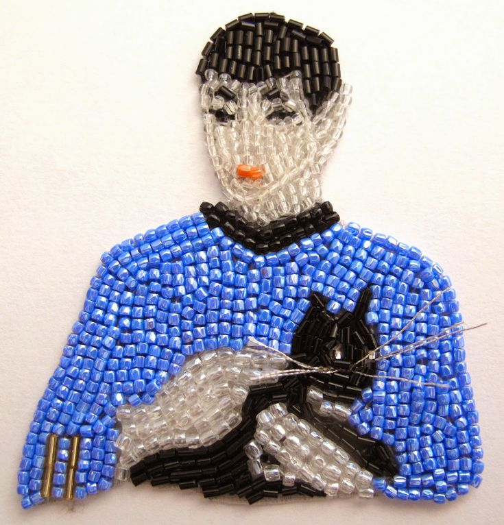 Spock with cat - portrait brooch by French bead-embroidery maker Marianne Batlle.