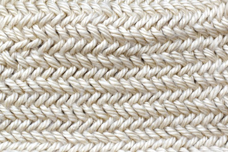 Grab This Free Scarf Knitting Pattern And Learn The Herringbone