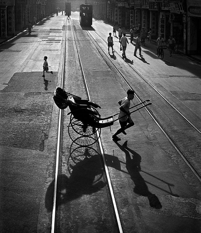 Hong kong in the 1950s captured by a teenager shadow photographyfilm photographystreet photographyblack white