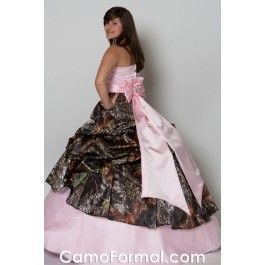 Change pink to white, and that's my wedding dress. Get rid of that big bow, and we are in business! :D