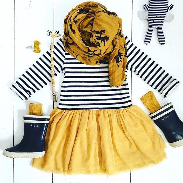 Tenue de juin... Ou pas  #robe #mariniere #tutu #leonharper #leonharperxmonoprix #monoprix #foulard #bobochoses #bottesdepluie #aigle chez #iletaitplusieursfois #chaussetteshautes #collegien #collegien_officiel #attachetetine #littlehipsterboys #tetine #difrax #barrette #desnoeudspour2 #doudou #lapinange #trousselier  #tenuebebe #babylook #ootdbaby #ootdbebe #lestenuesdeLilaRose