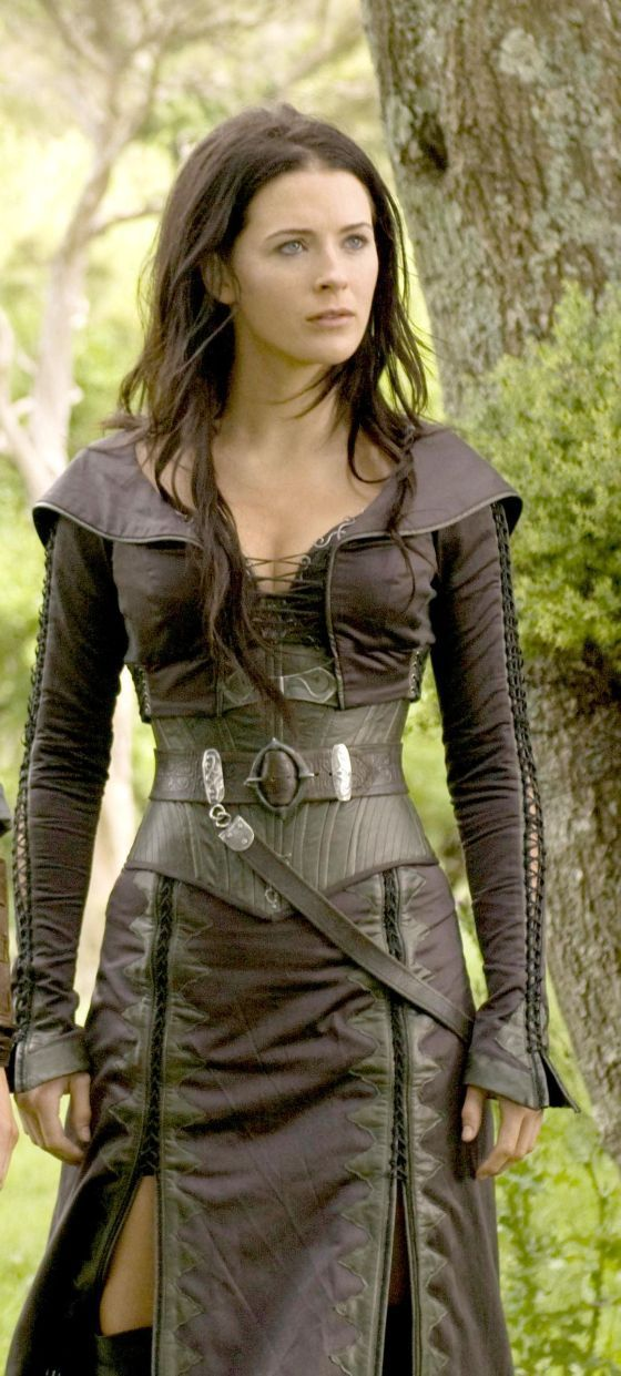 Kahlan Amnell (Legend of the Seeker). Someday when the zombie apocalypse happens, I'm wearing this!
